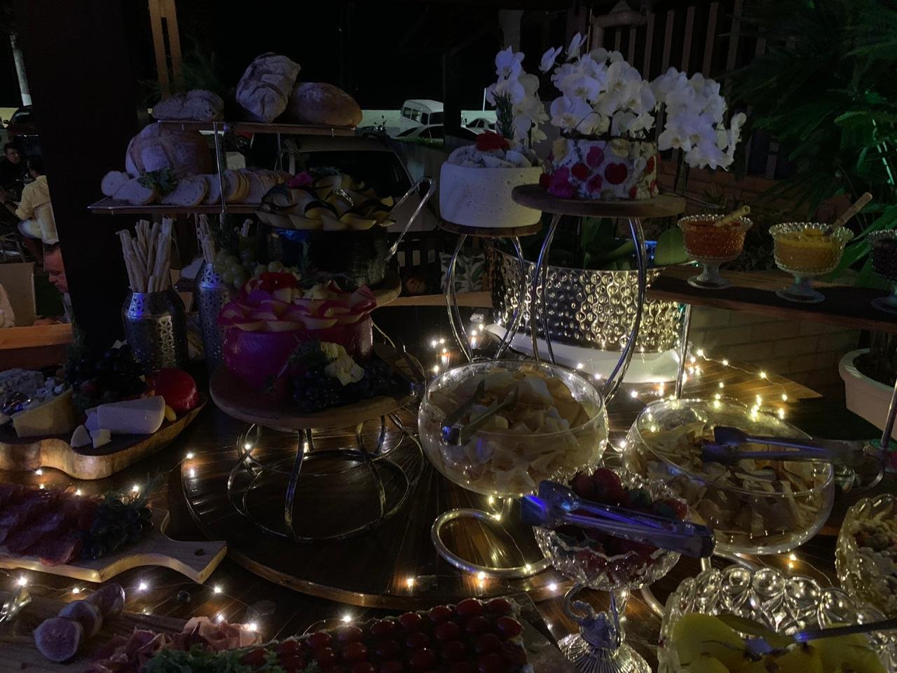 A mesa buffet by Fátima Buffet